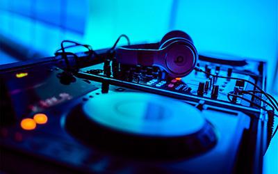 DJ : Comment se démarquer grâce à la production