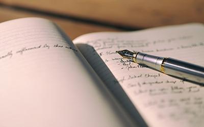 Écrire correctement les verbes au participe passé et au participe présent |